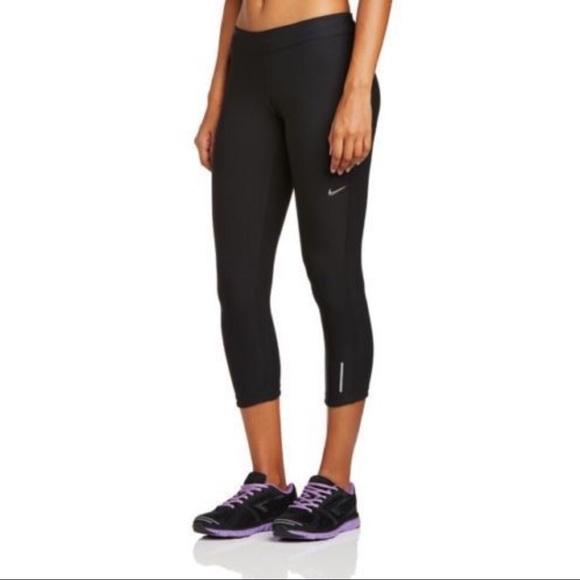 ab161447875c Nike Dri Fit Black Relay Crop 3 4 Leggings Large. M 5aac5d3085e6055559b7303d